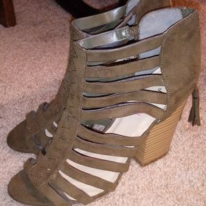 Shoes - Strapey Heels